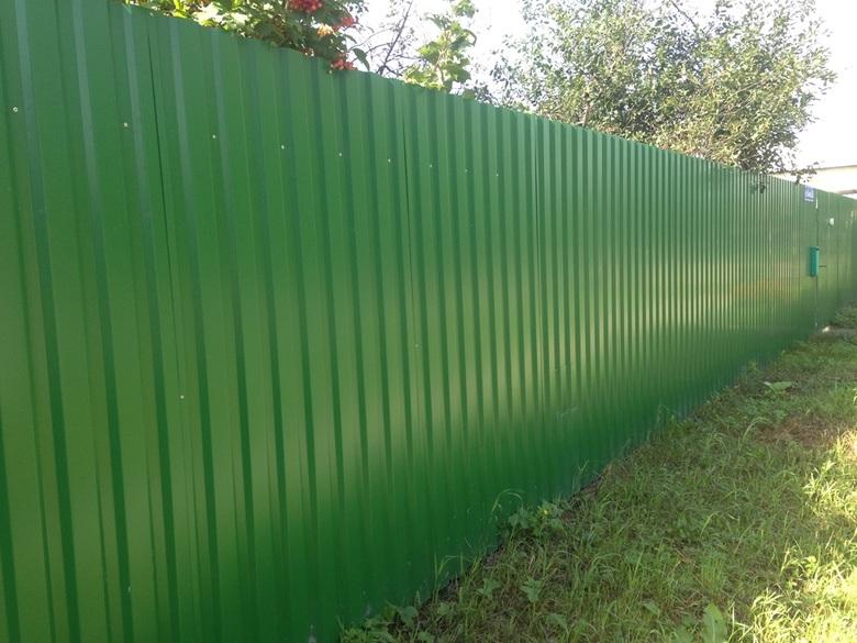 Забор из профлиста зелёный