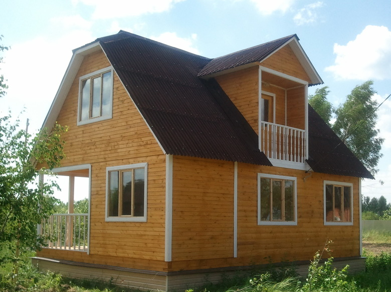 Дом из бруса на сваях 6х8