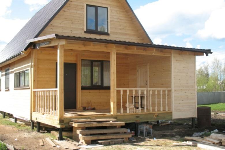 Пристройка к дому с односкатной крышей